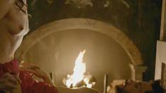Голая Лора Хэддок в сериале «Демоны Да Винчи» фото #15