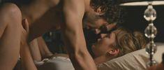 Полностью голая Луиз Бургуан в фильме «Секса много не бывает» фото #13