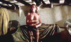 Красивая голая грудь Лучаны Палуцци в фильме «Чувственная медсестра» фото #1