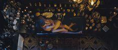 Полностью голая Люси Гордон в фильме «Генсбур. Любовь хулигана» фото #2
