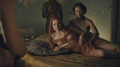 Голая Люси Лоулесс в сериале «Спартак. Кровь и песок» фото #13