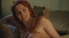 Голая Люси Лоулесс в сериале «Спартак. Кровь и песок» фото #26