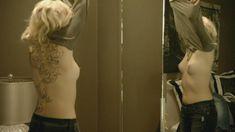 Голая Мадлен Брюэр в сериале «Хемлок Гроув» фото #9