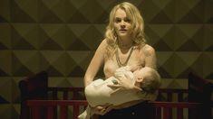 Голая Мадлен Брюэр в сериале «Хемлок Гроув» фото #15