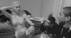 Голая Мадонна в фильме «В постели с Мадонной» фото #8