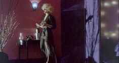 Мадонна засветила грудь в фильме «Дик Трэйси» фото #5