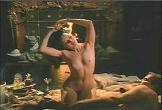 Красотка Мари-Франс Пизье оголилась в фильме «Другая сторона полуночи» фото #17