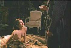 Красотка Мари-Франс Пизье оголилась в фильме «Другая сторона полуночи» фото #23