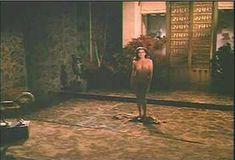 Красотка Мари-Франс Пизье оголилась в фильме «Другая сторона полуночи» фото #25
