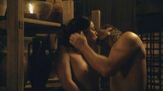 Голая Мариса Рамирес в сериале «Спартак. Боги арены» фото #18