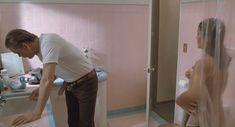 Голая Мария Кончита Алонсо в фильме «Все меры предосторожности» фото #3