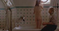 Абсолютно голая Мария Шнайдер в фильме «Последнее танго в Париже» фото #30