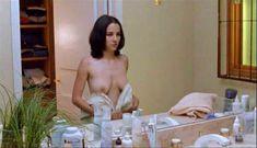 Красивая голая грудь Марты Игареды в фильме Amar te duele фото #9