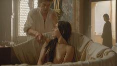 Голая Мелиа Крейлинг в сериале «Борджиа» фото #4