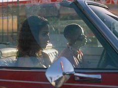Мета Голдинг засветила грудь в фильме «Тихие дни в Голливуде» фото #4