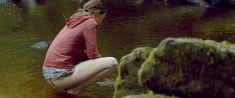 Голая грудь Мии Гот в фильме «Специалист по выживанию» фото #18