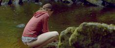 Голая грудь Мии Гот в фильме «Специалист по выживанию» фото #20