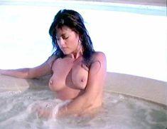 Голая Миа Заттоли в фильме California Dreams Beach Blanket Malibu фото #1