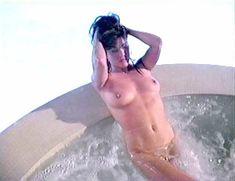 Голая Миа Заттоли в фильме California Dreams Beach Blanket Malibu фото #2
