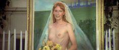 Миа Фэрроу засветила голую грудь в фильме «Свадьба» фото #4