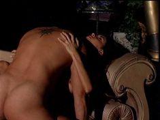 Горячая Минди Вега снялась обнажённой в All Wives Party фото #18