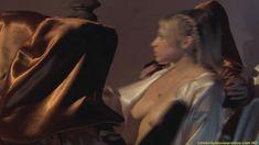 Красавица Мириам МакДональд оголила грудь и попу в фильме «Ядовитый плющ. Секретное общество» фото #1