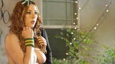 Мойра Мерфи засветила голую грудь в фильме «Секс-пленка со знаменитостями» фото #3