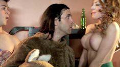 Мойра Мерфи засветила голую грудь в фильме «Секс-пленка со знаменитостями» фото #13