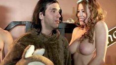 Мойра Мерфи засветила голую грудь в фильме «Секс-пленка со знаменитостями» фото #16