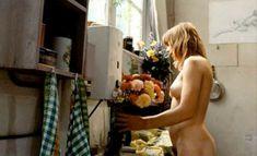 Абсолютно голая Моник ван де Вен в фильме «Турецкие наслаждения» фото #22