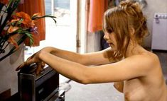 Абсолютно голая Моник ван де Вен в фильме «Турецкие наслаждения» фото #36