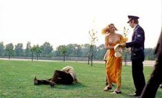 Абсолютно голая Моник ван де Вен в фильме «Турецкие наслаждения» фото #44