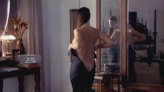 Моника Беллуччи оголила грудь в фильме «Под подозрением» фото #2