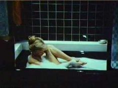 Красивая Морган Фэйрчайлд снялась полностью голой в фильме «Соблазнение» фото #3