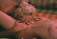 Полностью голая Мэнди Фишер в сериале «Лучший секс в вашей жизни» фото #32