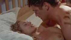 Мэриам д'Або показала голые сиськи в фильме «Безликий» фото #3