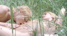 Полностью голая Надин Паскаль в фильме Six Swedes on a Campus фото #4