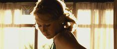 Наоми Уоттс засветила голую грудь в фильме «Невозможное» фото #4