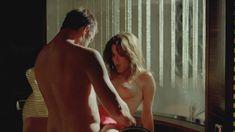 Сексуальная Наталия Авелон снялась голой в сериале «Ответный удар» фото #12