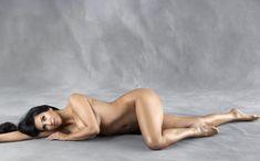 Ким Кардашьян разделась для журнала Harper's Bazaar фото #2