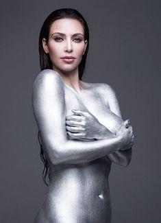 Обнаженное тело Ким Кардашьян в журнале W фото #4