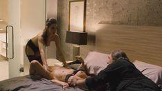 Наташа Романова оголила грудь и попу в фильме «Добро пожаловать в Нью-Йорк» фото #4