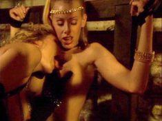 Голая Николь Шеридан в порнофильме The Erotic Dreams of Jeannie фото #1