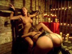 Голая Николь Шеридан в порнофильме The Erotic Dreams of Jeannie фото #4