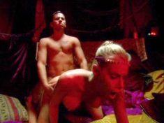 Голая Николь Шеридан в порнофильме The Erotic Dreams of Jeannie фото #20
