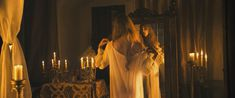Красивая голая грудь Норы Арнезедер в фильме «Анжелика» фото #1