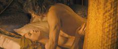 Красивая голая грудь Норы Арнезедер в фильме «Анжелика» фото #7