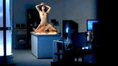 Красотка Ноэль Дюбуа снялась голоц в сериале «Запретная наука» фото #5