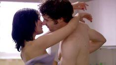 Полностью голая Ноэль Дюбуа в сериале «Нижнее белье» фото #2