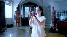 Голая Оливия Ченери в сериале «Страшные сказки» фото #5